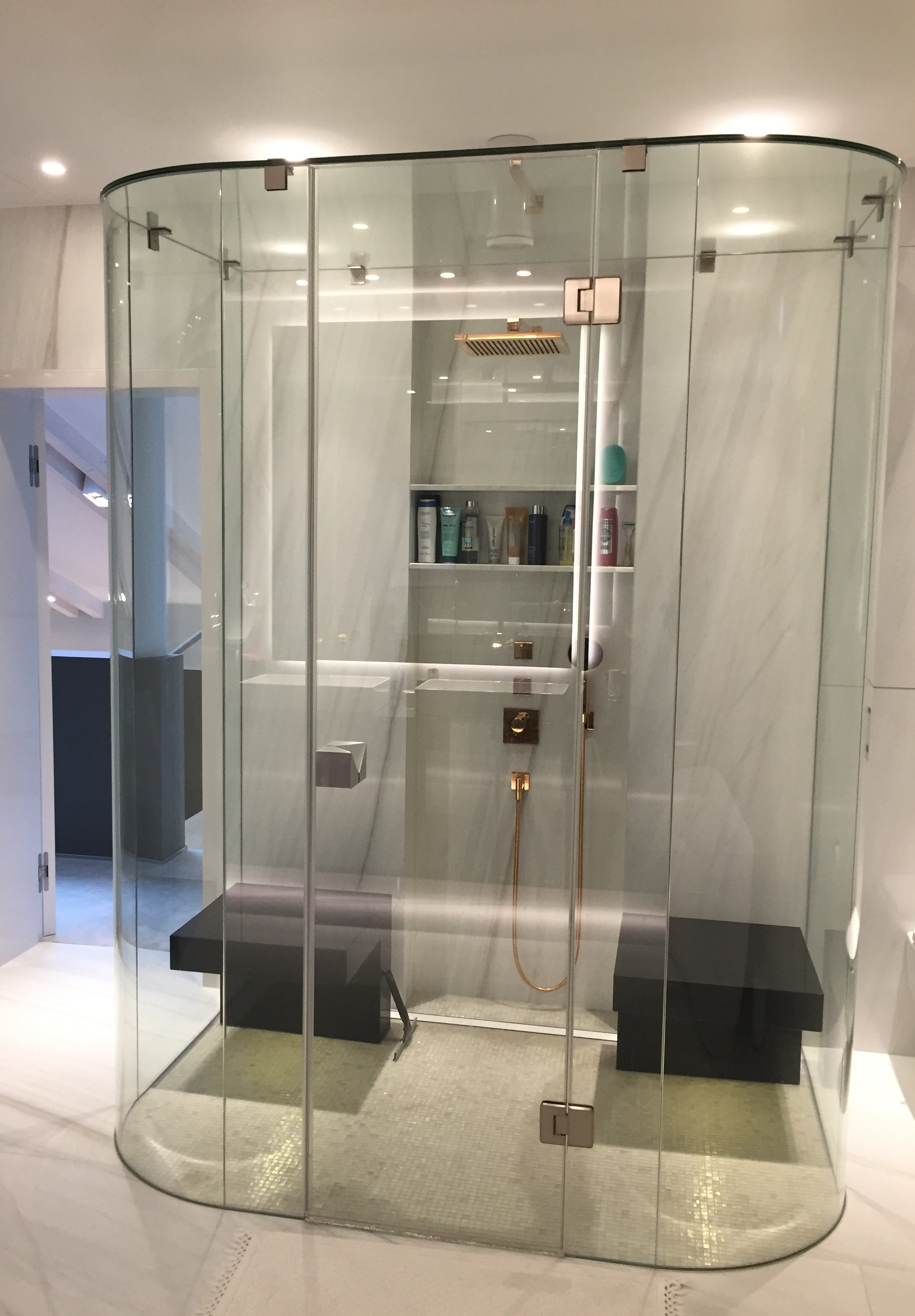 Shower walls and shower doors | Manufacturing and installation of ...